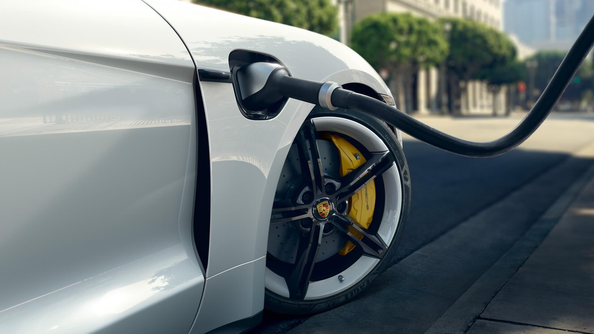 Porsche Taycan 2020 года получит новые интеллектуальные функции зарядки