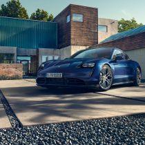 Фотография экоавто Porsche Taycan Turbo S - фото 15