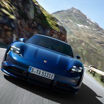 Фотография экоавто Porsche Taycan Turbo S