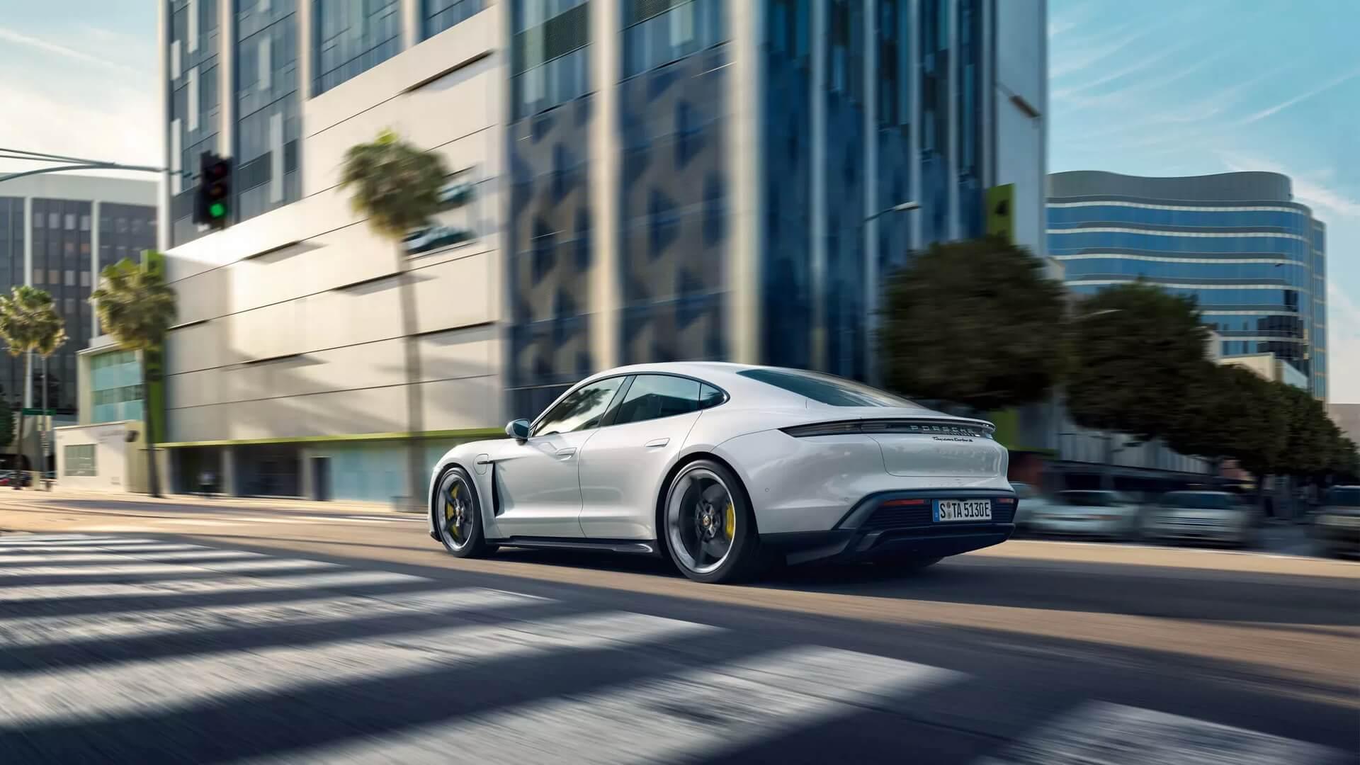 Фотография экоавто Porsche Taycan Turbo S - фото 22