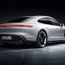 Фотография экоавто Porsche Taycan Turbo S - фото 14