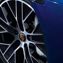 Фотография экоавто Porsche Taycan Turbo S - фото 30