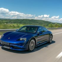 Фотография экоавто Porsche Taycan Turbo S - фото 21