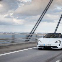 Фотография экоавто Porsche Taycan Turbo S - фото 59