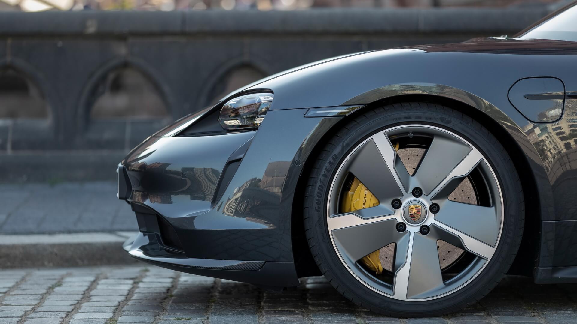 Фотография экоавто Porsche Taycan Turbo S - фото 56