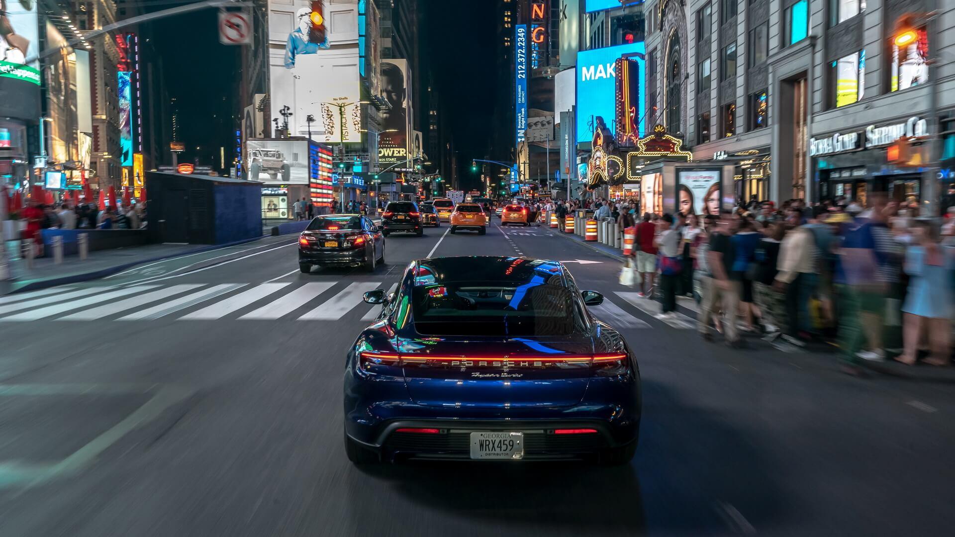 Фотография экоавто Porsche Taycan Turbo S - фото 28
