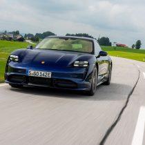 Фотография экоавто Porsche Taycan Turbo S - фото 55