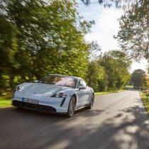 Фотография экоавто Porsche Taycan Turbo S - фото 51