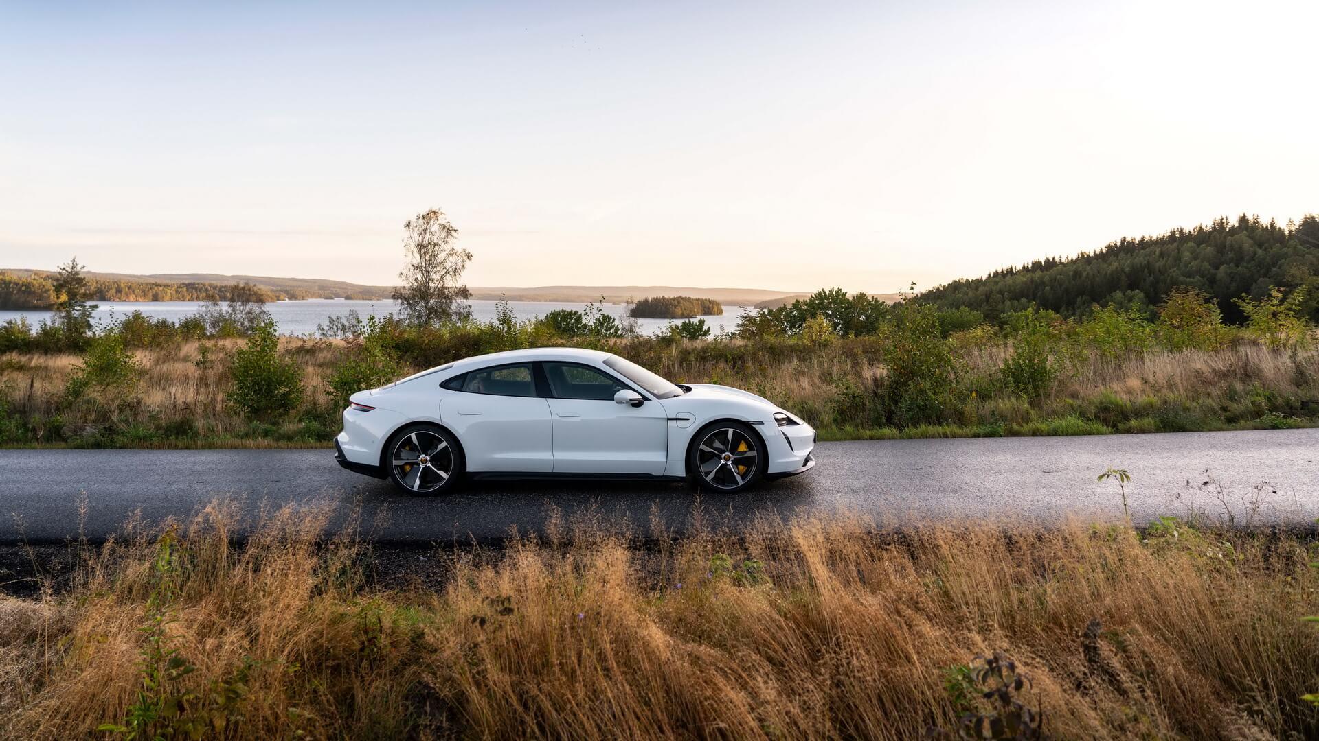 Фотография экоавто Porsche Taycan Turbo S - фото 49