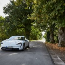 Фотография экоавто Porsche Taycan Turbo S - фото 44