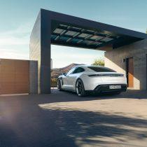 Фотография экоавто Porsche Taycan Turbo S - фото 12