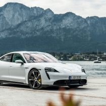 Фотография экоавто Porsche Taycan Turbo S - фото 43