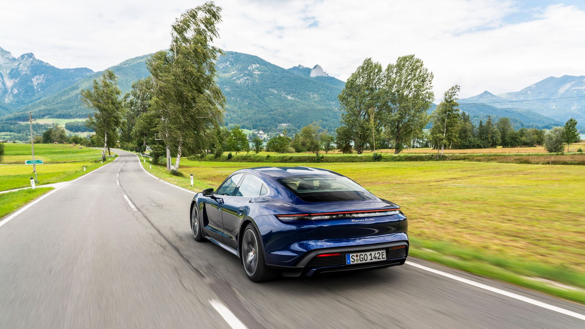 Фотография экоавто Porsche Taycan Turbo S - фото 37