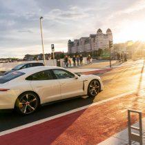 Фотография экоавто Porsche Taycan Turbo S - фото 34