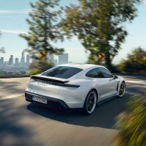 Фотография экоавто Porsche Taycan Turbo S - фото 11