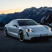 Фотография экоавто Porsche Taycan Turbo S - фото 10
