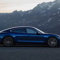 Фотография экоавто Porsche Taycan Turbo S - фото 7