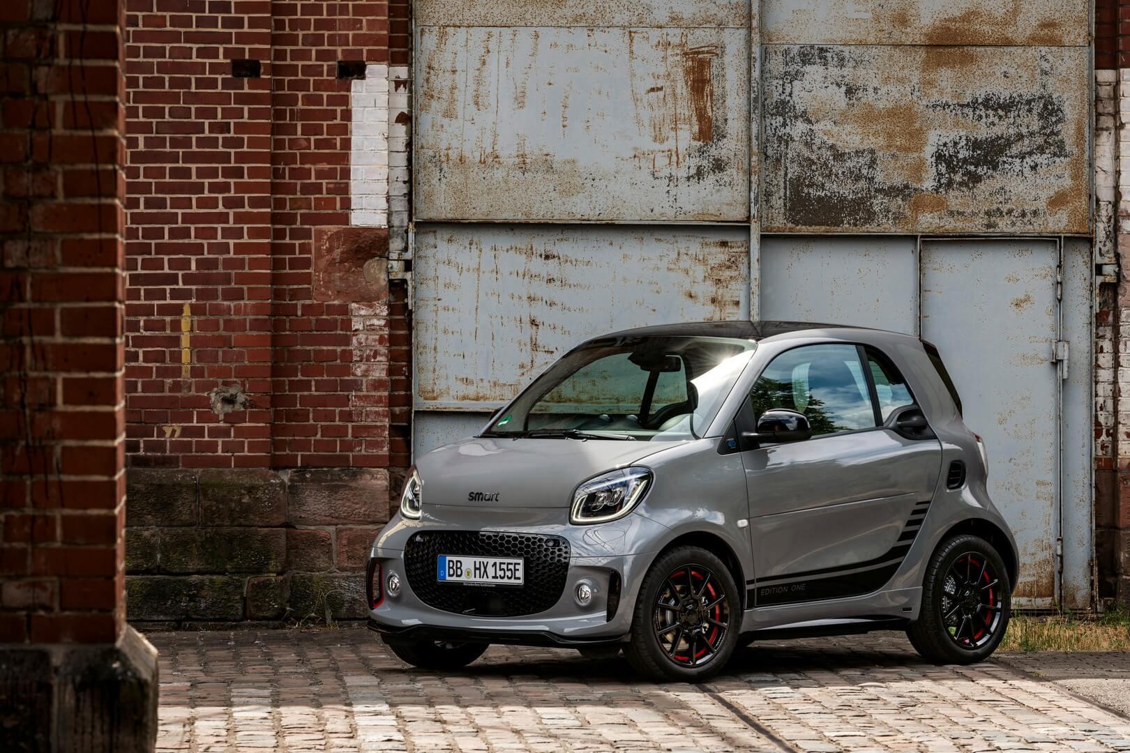 Обновленный электромобиль Smart EQ fortwo