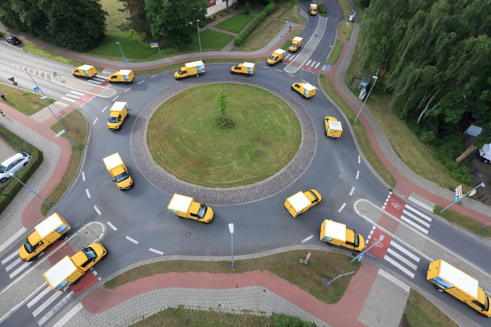 Автопарк DHL эксплуатирует 10000 электрических фургонов StreetScooter