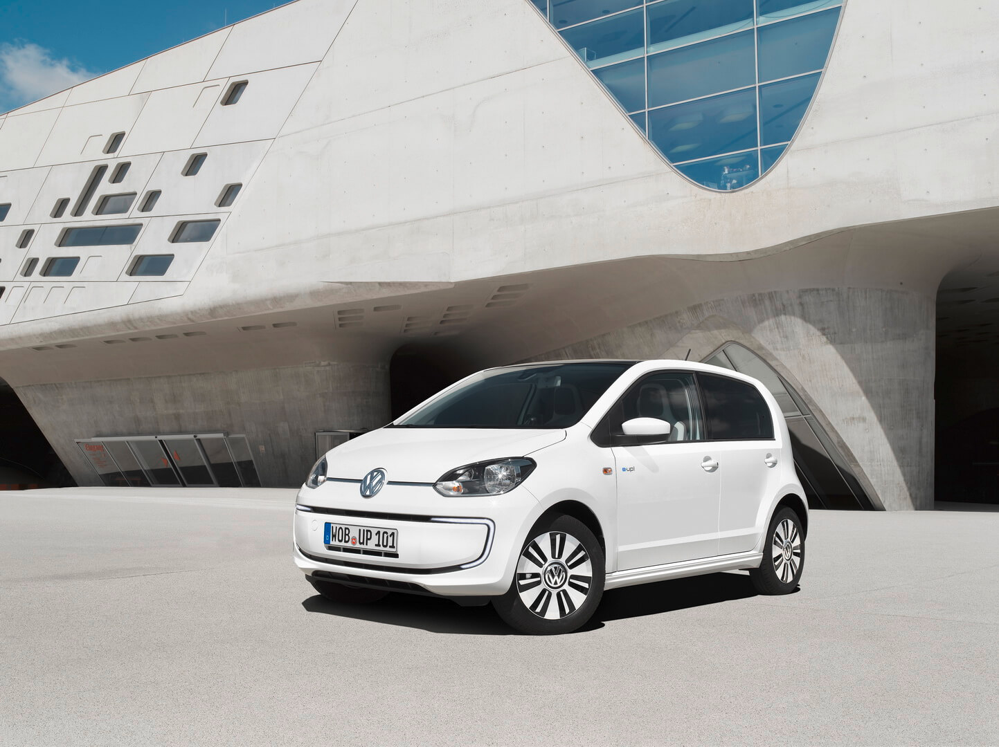 Фотография экоавто Volkswagen e-Up! - фото 14