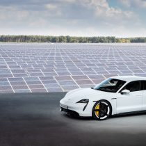 Фотография экоавто Porsche Taycan Turbo S - фото 17