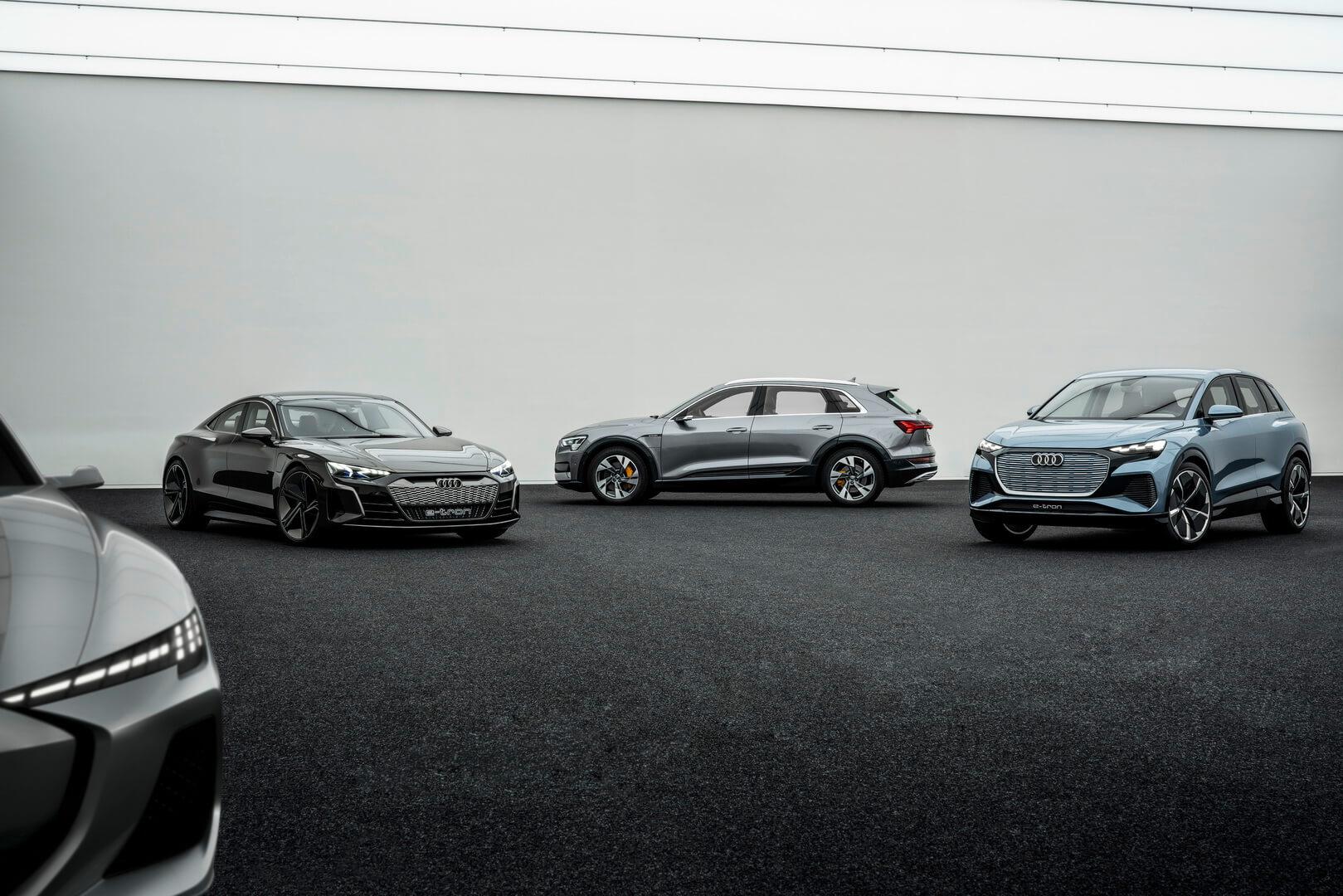 Неизвестный концепт → Audi e-tron GT → Audi e-tron quattro → Audi Q4 e-tron