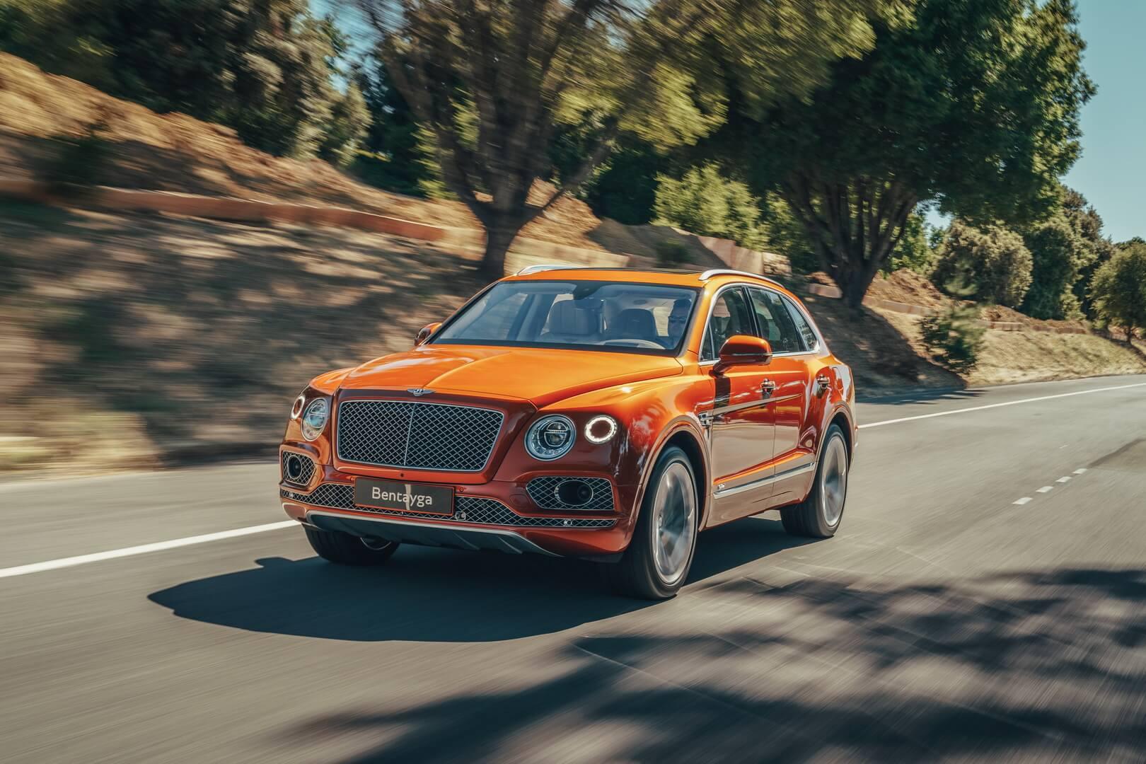 Ультра-роскошный плагин-гибридный кроссовер Bentley Bentayga Hybrid