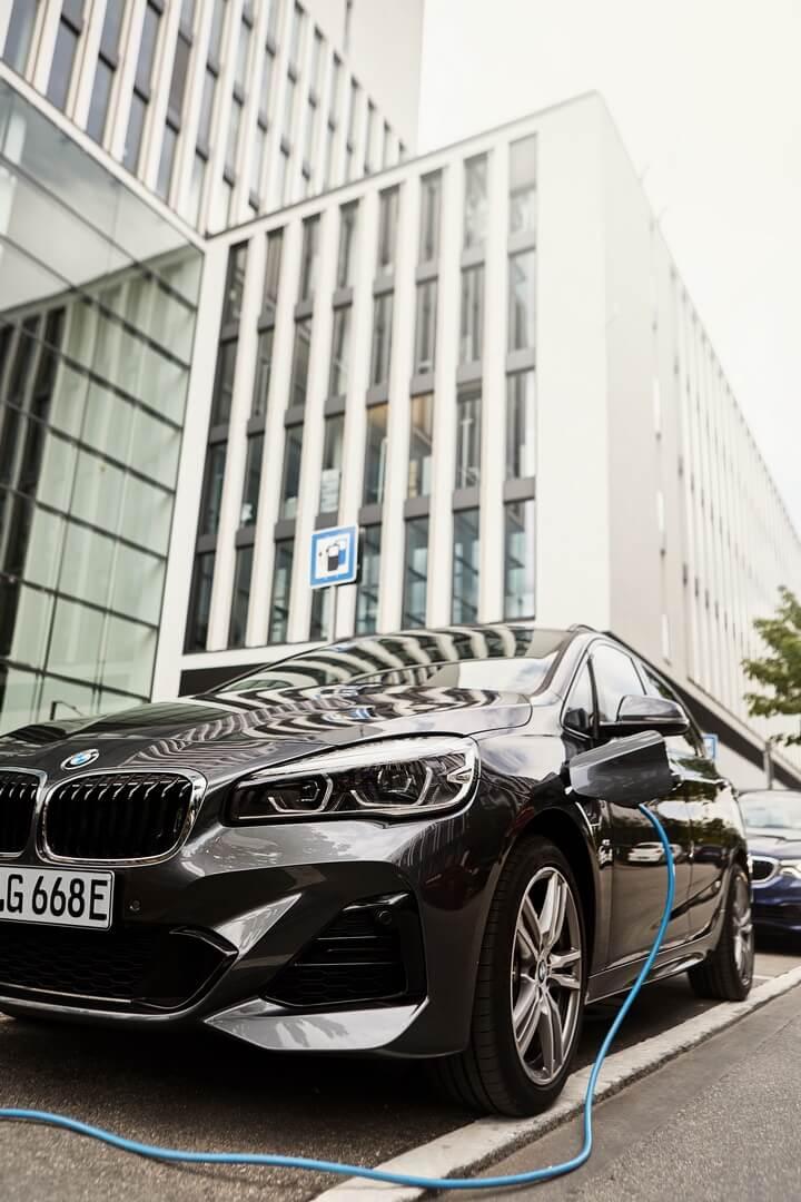 Плагин-гибрид BMW 225xe Active Tourer 2019