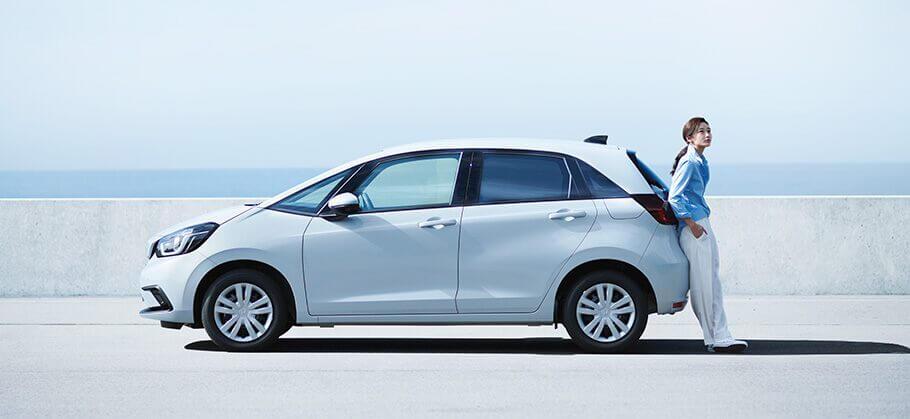 Honda представила новый Fit с двухмоторной гибридной трансмиссией