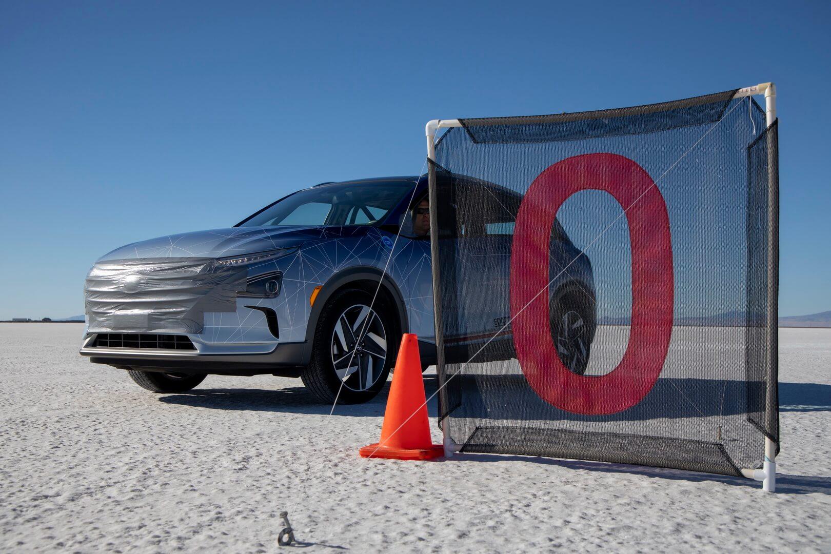 Кроссовер Hyundai Nexo на водородных топливных элементах