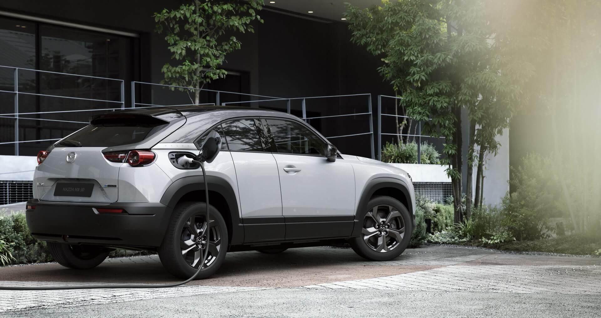 Электромобиль Mazda MX-30 официально представлен вТокио