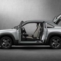 Фотография экоавто Mazda MX-30 EV - фото 4