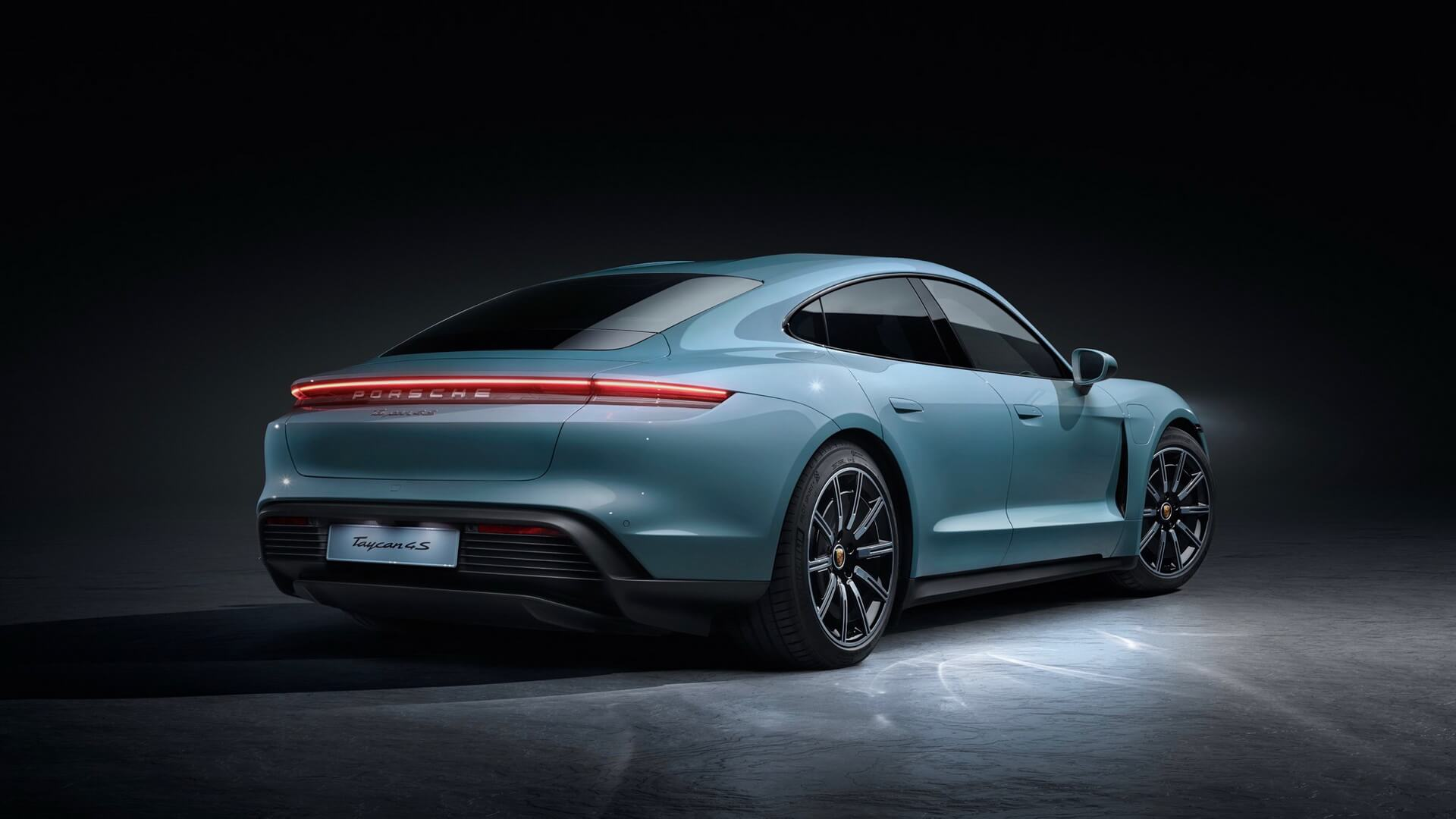 Фотография экоавто Porsche Taycan 4S - фото 7