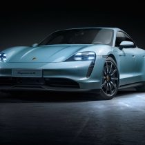 Фотография экоавто Porsche Taycan 4S