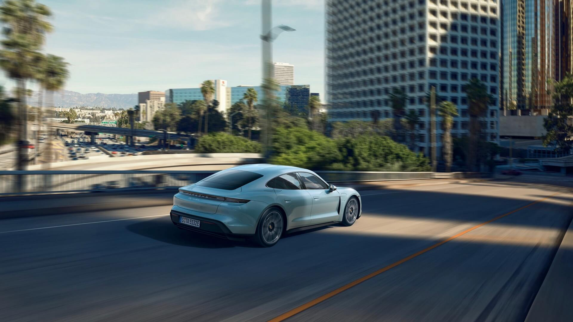Фотография экоавто Porsche Taycan 4S - фото 10