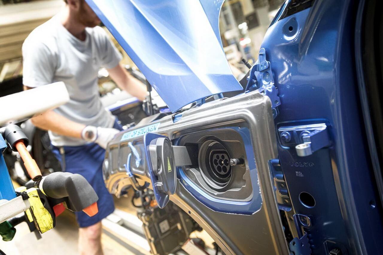 Volvo Cars – первый автопроизводитель, исследующий с компанией SSAB сталь, получаемую без использования ископаемого сырья