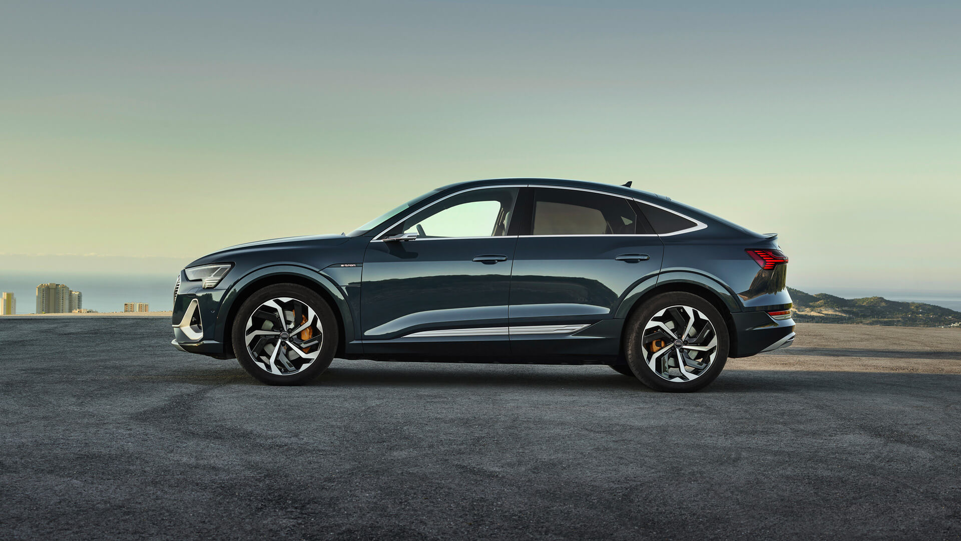 Фотография экоавто Audi e-tron Sportback 50 quattro - фото 4