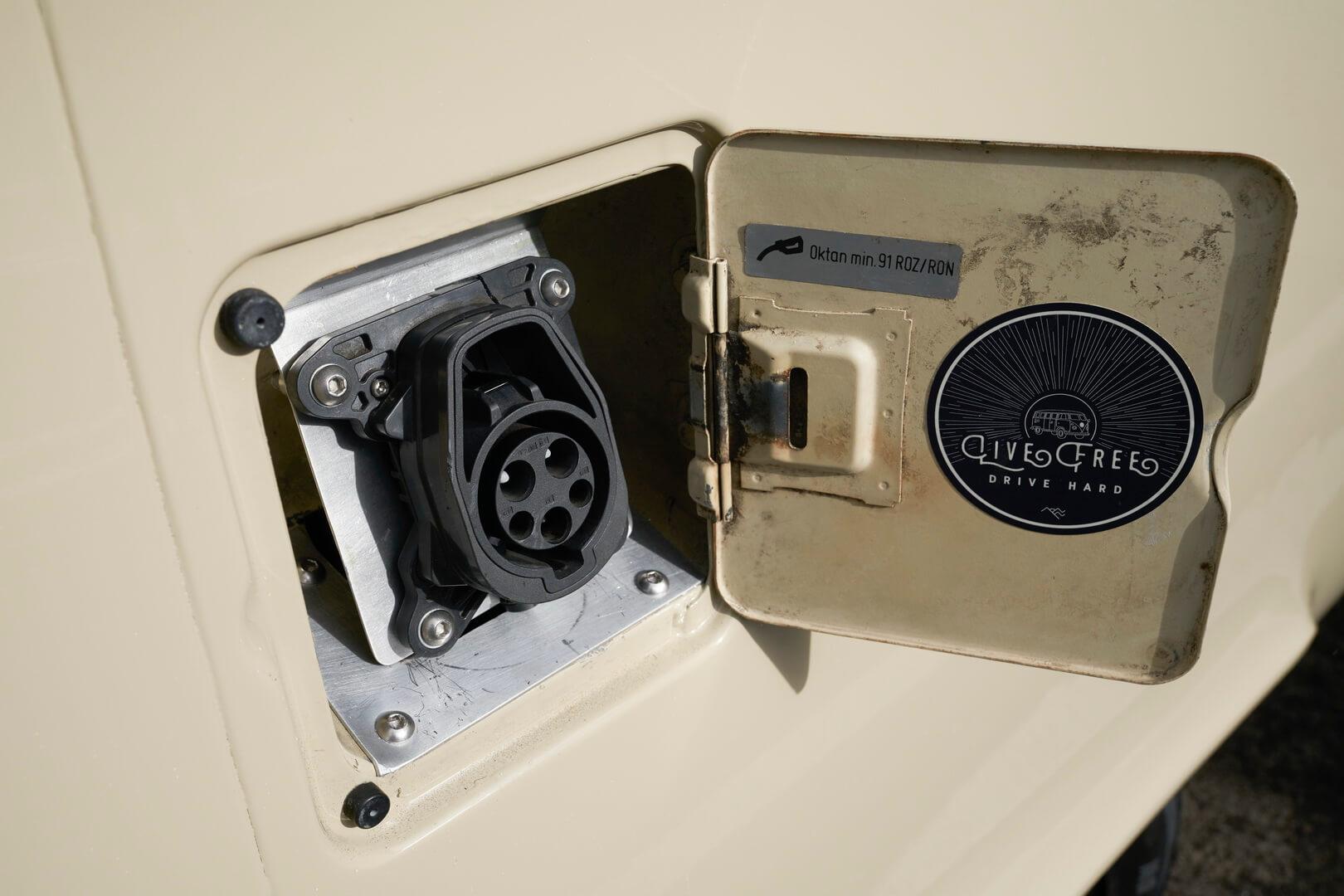 Зарядный порт Type 1 Volkswagen T2 Bulli