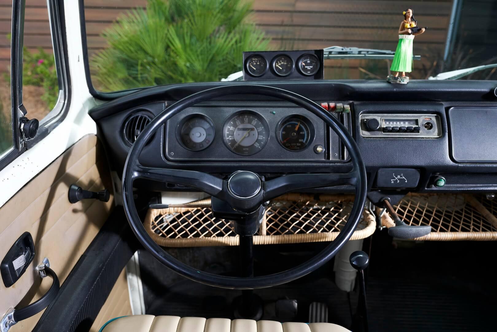 Интерьер Volkswagen Type 2