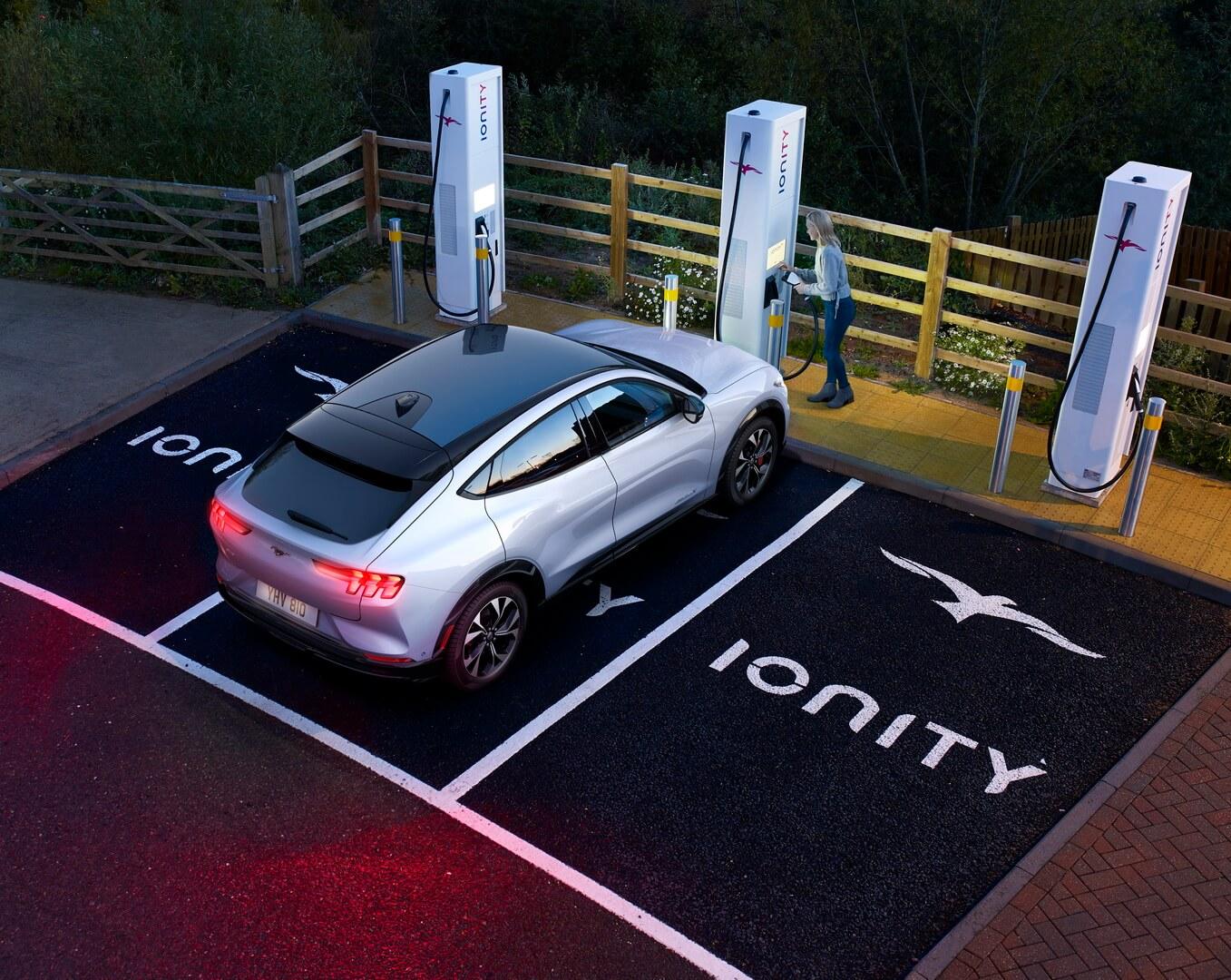 Ford Mustang Mach-E может заряжаться в сети Ionity cпиковой мощностью зарядки 150 кВт