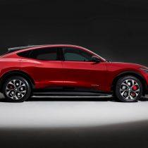 Фотография экоавто Ford Mustang Mach-E Select AWD - фото 2
