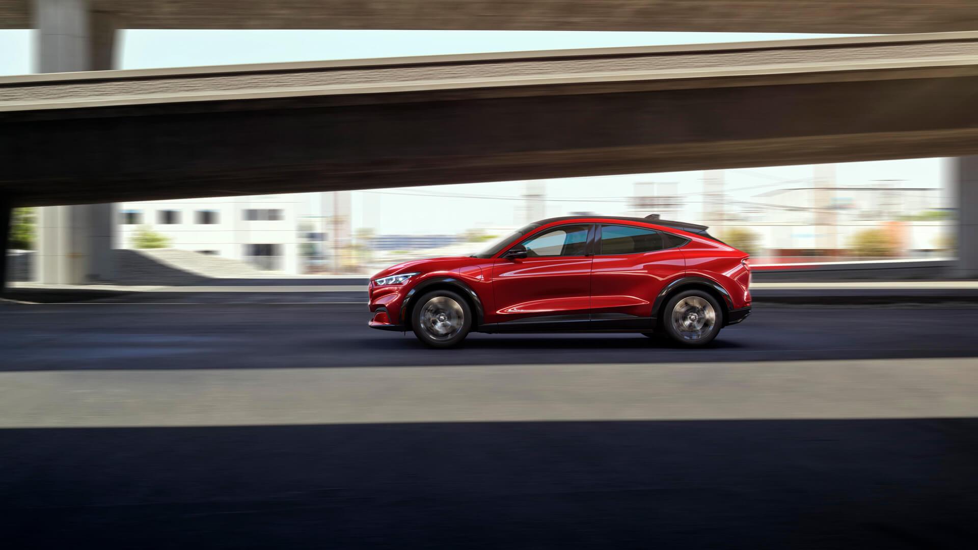 Фотография экоавто Ford Mustang Mach-E Select AWD - фото 21