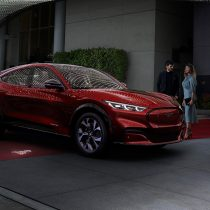 Фотография экоавто Ford Mustang Mach-E Select AWD - фото 17