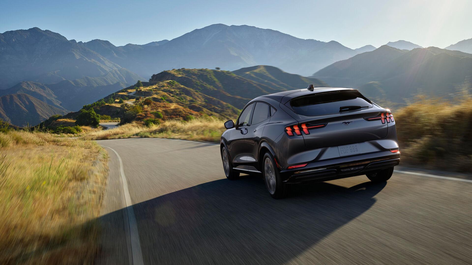 Фотография экоавто Ford Mustang Mach-E Select AWD - фото 16