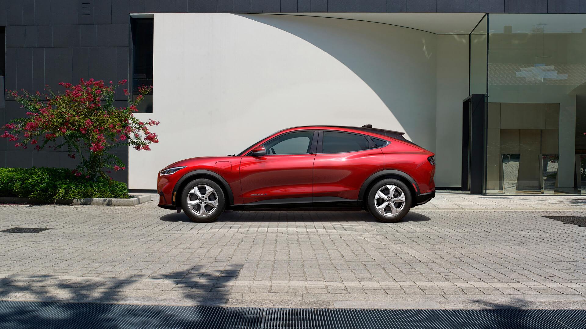 Фотография экоавто Ford Mustang Mach-E Select AWD - фото 12