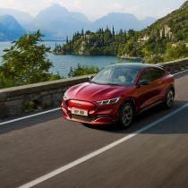 Фотография экоавто Ford Mustang Mach-E Select AWD - фото 10