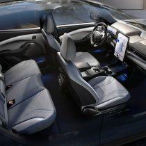 Фотография экоавто Ford Mustang Mach-E Select AWD - фото 45