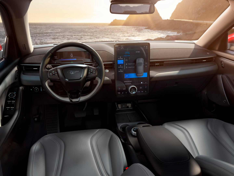Фотография экоавто Ford Mustang Mach-E Select AWD - фото 43