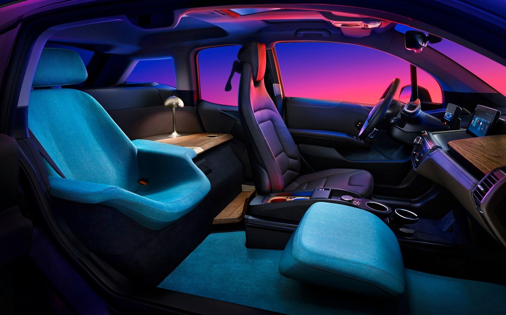 BMW преобразовал i3 в мобильную роскошную гостиную