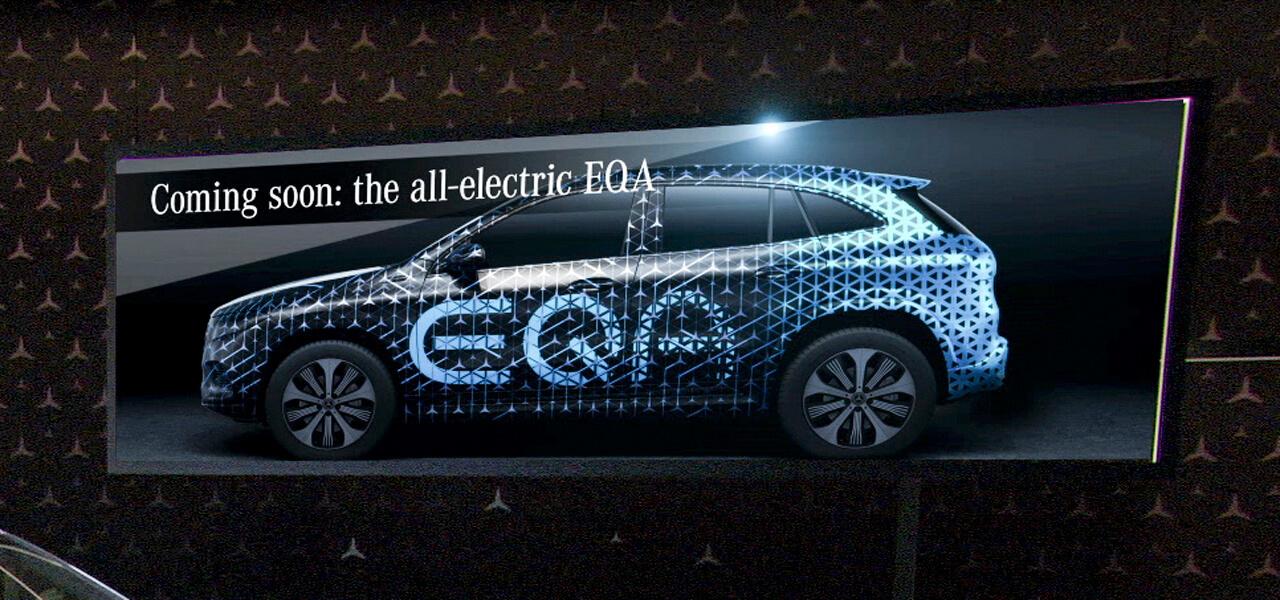 Генеральный директор Mercedes-Benz представляет тизер электромобиля EQA при запуске нового GLA
